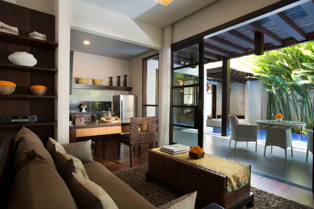 Salon de luxe moderne elegant villa de luxe spacieuse et for Salon de luxe moderne